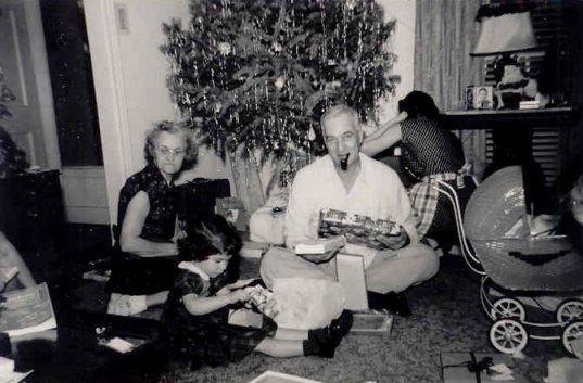 http://www.kathyamen.net/50s/xmas/1951.jpg